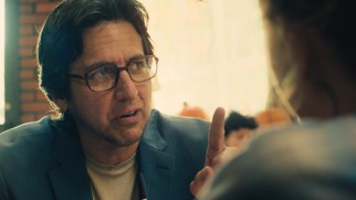 Contacted by Rosie with corrections, senior newspaper crime reporter Jerry Cardozo (Ray Romano) offers to be the one to tell Rosie and Tommy's story.