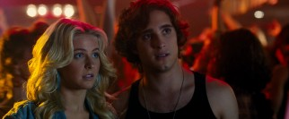 Sherrie (Julianne Hough) and Drew (Diego Boneta) find work at The Bourbon Room while dreaming much bigger.