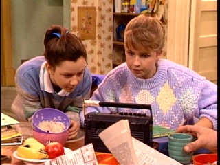 Darlene (Sara Gilbert) and Becky (Lecy Goranson) are like night and day, but they both appreciate a breakfast morning radio listen when it means a potential school closing.