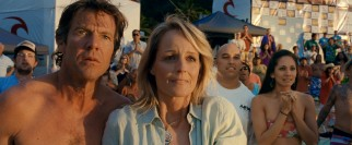 Bethany's parents Tom (Dennis Quaid) and Cheri (Helen Hunt) cheer her on, as she returns to competition with one less limb but no less determination.