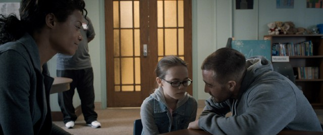 Billy Hope (Jake Gyllenhaal) fights for custody of his young daughter (Oona Laurence).