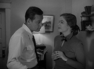 At nights, Joe (William Holden) begins sneaking off to work on a screenplay with Betty Schaefer (Nancy Olson).
