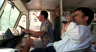 Joe (Bobby Cannavale) and Fin (Peter Dinklage) try their hands at train chasing with a new camera and Joe's truck.