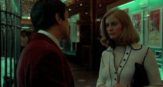 Campaign worker Betsy (Cybill Shepherd) has her doubts about a dirty movie date, until Travis persuades her.