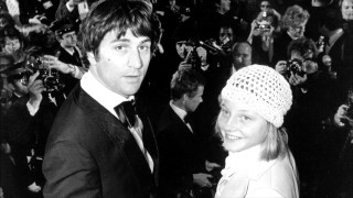 "Robert De Niro and Jodie Foster attend the ""Taxi Driver"" premiere in a black and white gallery photo."