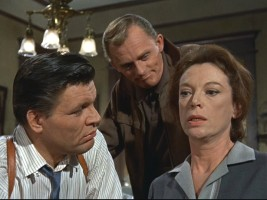 Dan (Neville Brand and Iggy (Frank Gorshin) are not very respectful of their captive, Margaret Miller (Grayson Hall).