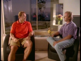 Night falls outside the house of either Arnold Schwarzenegger or James Cameron in their retrospective 1992 chat.