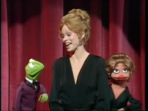 "First ""Muppet Show"" guest Juliet Prowse is thrilled to receive a Muppet in her own likeness at the end of her show. This gift-to-the-guest trend ended after just two episodes."