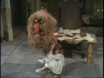 Guest Ruth Buzzi can't take her eyes off Sweetums. Literally.