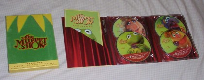 The front of the slipcover and inside of the Digipak.