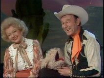 Dale Evans and Roy Rogers are all smiles in their Western-flavored episode.