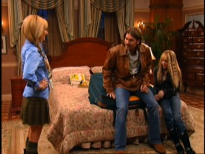 "Thanks to the magic of crossovers, Maddie (Ashley Tisdale) gets to talk with Hannah Montana (Miley Cyrus) and her dad (Billy Ray Cyrus) in ""That's So Suite Life of Hannah Montana."""