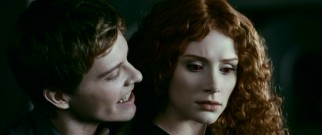 Missing youth Riley Biers (Xavier Samuel) does the bidding of the newly-recast Victoria (Bryce Dallas Howard), leading an army of newborn vampires on rampages throughout the state of Washington.