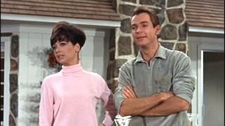 Suzanne Pleshette and Dean Jones are The Garrisons, your typical 1960s married couple.
