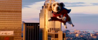 Underdog flies through the air, yet somehow looks like a Thanksgiving Day parade float.