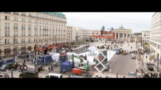 "You can tell a major motion picture is being shot outside the Brandenburger Tor (Brandenburg Gate) in ""'Unknown': What is Known?"""