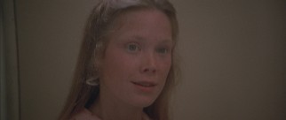 Young new California spa worker Pinky Rose (Sissy Spacek) likes what she sees in her fellow Texan.