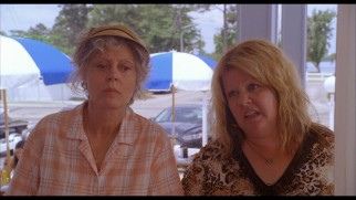 Tammy teaches a burger joint cashier about suicides (as in a mixture of all soft drinks) in this deleted scene.