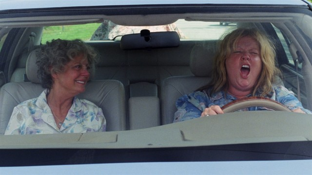 Tammy (Melissa McCarthy, right) and her alcoholic grandmother Pearl (Susan Sarandon) take a road trip together, occasionally as fugitives.
