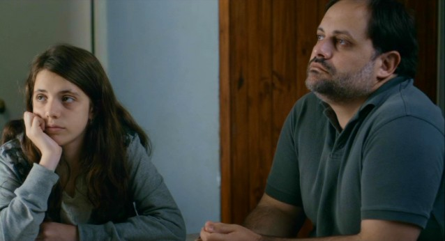 "Lucía (Malú Chouza) and her father (Néstor Guzzini) aren't having the most exciting of vacations in ""Tanta Agua."""