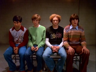 "The boys of ""That '70s Show"" wind up in jail on suspicions of auto theft, just one of many shenanigans they get into it in Season 1."