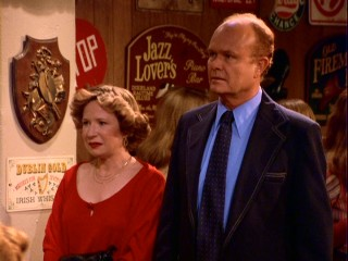 Kitty (Debra Jo Rupp) and Red (Kurtwood Smith) are not pleased to discover casual dining.