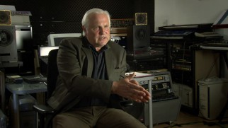 Johannes Schmoelling speaks in German in his interview about Tangerine Dream's score.