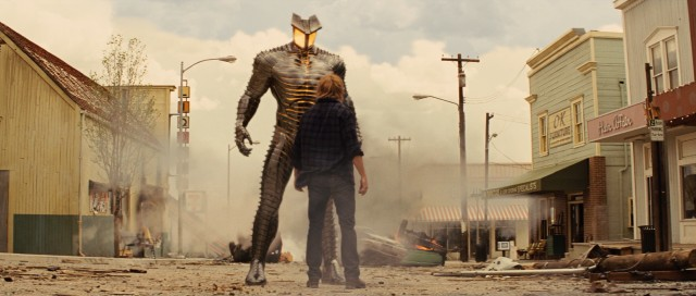 Thor comes from a land where magic and science are one and the same, but in Puente Antiguo, New Mexico, the presence of automaton The Destroyer is out of the usual.