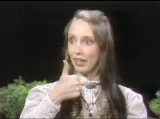 "Shelley Duvall gives Tom Snyder's interviewing skills one thumb up in this 1981 clip from NBC's ""Tomorrow."""