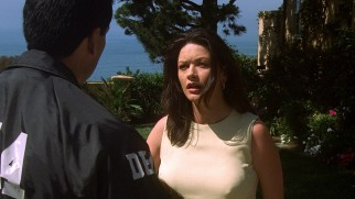 Trophy wife Helena Ayala (Catherine Zeta-Jones) is shocked to find her luxury San Diego lifestyle investigated by DEA agents.