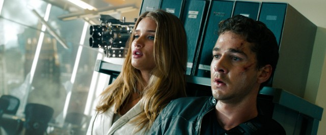 Sam Witwicky (Shia LaBeouf) and his new girlfriend Carly Spencer (Rosie Huntington-Whiteley) try to avoid being detected by the dreaded Decepticons.