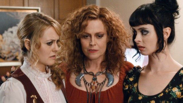 Goody (Alicia Silverstone) and Stacy (Krysten Ritter) are summoned by their stem vampiress Cisserus (Sigourney Weaver) as needed.