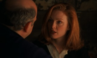 Young trophy wife Yelena (Julianne Moore) must rebuke advances from Vanya (Wallace Shawn) and another smitten man.