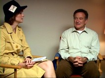 "Actress Alexie Gilmore dresses up like an old-timey reporter to interview Robin Williams in ""Behind the Scenes: WWBCD?"""