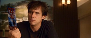 "Unhappy with his life of saying ""no"", Carl Adams (Jim Carrey) considers saying ""yes."""