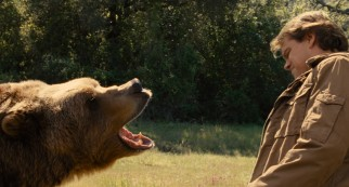 Even this grizzly bear has his doubts about Benjamin Mee (Matt Damon) owning a zoo.