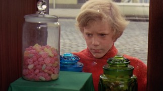 Protagonist Charlie Bucket (Peter Ostrum) is often too poor to do more than windowshop for candy.