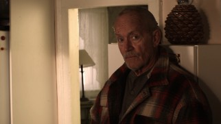 Yes, that is Lance Henriksen, now a septuagenarian, playing Dorothy's uncle/nephew Henry Gale.