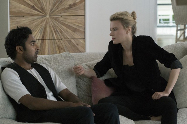 A steel-hearted American manager (Kate McKinnon) tries to help Jack (Himesh Patel) cultivate an image befitting his fast-rising brand.