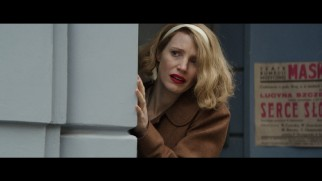 Antonina (Jessica Chastain) is horrified by the sight of Jews being killed in broad daylight in this deleted scene.
